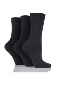 plain-black-socks-ladies